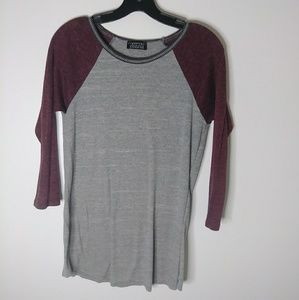 Long sleeve tee berry and gray
